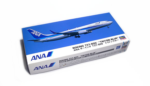 Hasegawa Aircraft Model 1/200 ANA Boeing 737-800 Triton Blue 37 10737 H0737