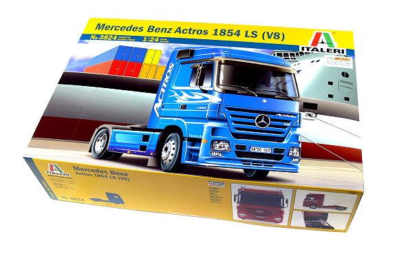 ITALERI Truck & Trailers Model 1/24 Mercedrs Benz Actros 1854 LS (V8) 3824 T3824