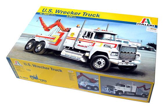 ITALERI Truck & Trailers Model 1/24 U.S. Wrecker Truck Scale Hobby 3825 T3825