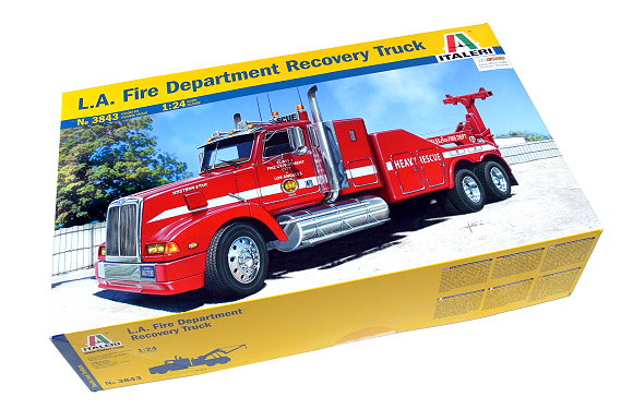 ITALERI Truck & Trailers Model 1/24 LA Fire Department Recovery Truck 3843 T3843