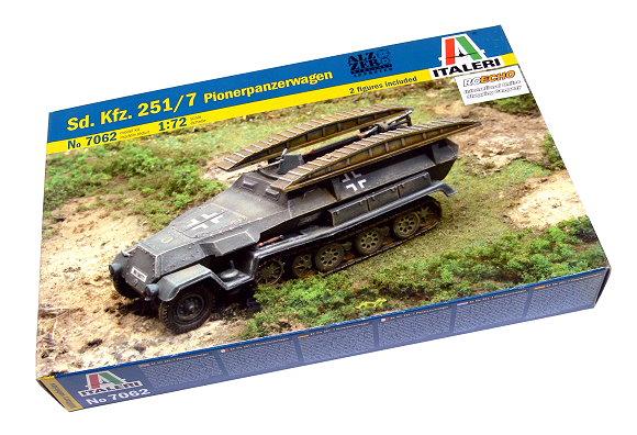ITALERI Military Model 1/72 Sd. Kfz. 251/7 Pionerpanzerwagen Hobby 7062 T7062