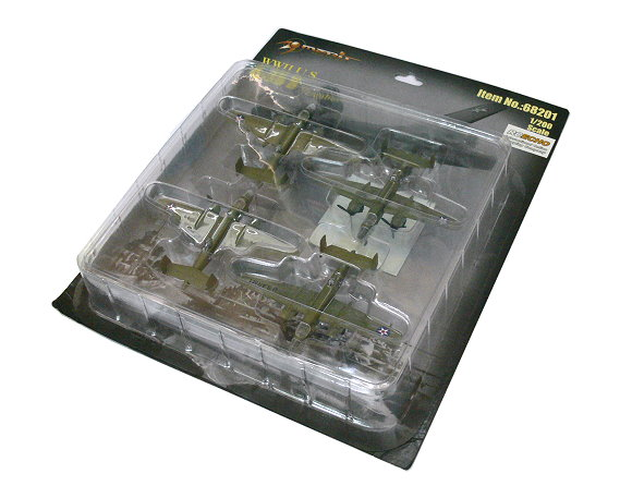Merit Aircraft Model Airplane 1/200 WWII U.S. B-25 B Bomber 68201 L8201