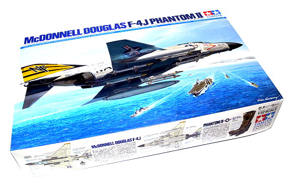 Tamiya Aircraft Model 1/32 Airplane McDONNELL DOUGLAS F-4J Phantom II 60306