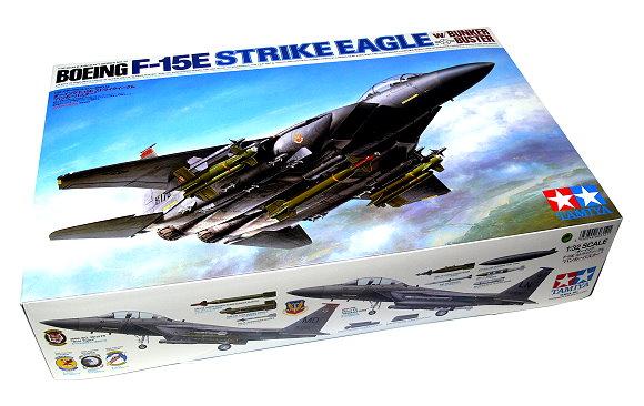 Tamiya Aircraft Model 1/32 BOEING F-15E Strike Eagle w/ Bunker Buster 60312