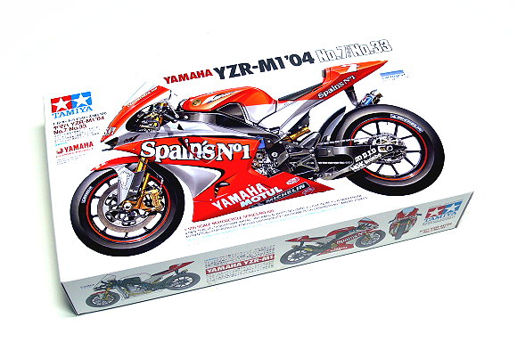 Tamiya Motorcycle Model 1/12 Motorbike YAMAHA YZR-M104 No.7/33 Scale Hobby 14100