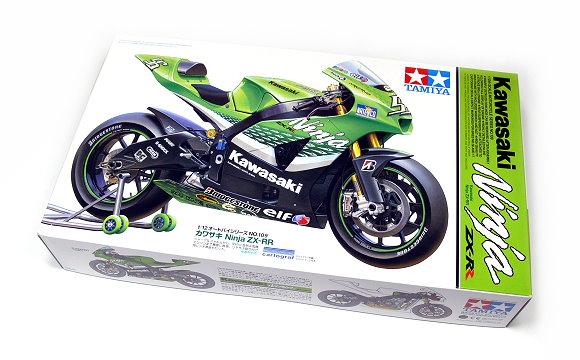 Tamiya Motorcycle Model 1/12 Motorbike Kawasaki Ninja ZX-RP Scale Hobby 14109