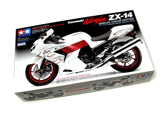 Tamiya Motorcycle Model 1/12 Motorbike Kawasaki Ninja ZX-14 Scale Hobby 14112