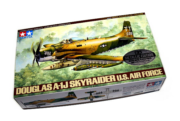 Tamiya Aircraft Model 1/48 Airplane USA Douglas A-1J Skyraider Scale Hobby 61073