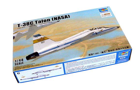 TRUMPETER Aircraft Model 1/48 T-38C Talon (NASA) Scale Hobby 02878 P2878