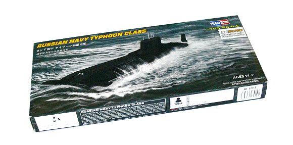 RUSSIAN NAVY TYPHOON CLASS SUBMARINE 1//700 ship Hobbyboss model kit 87019